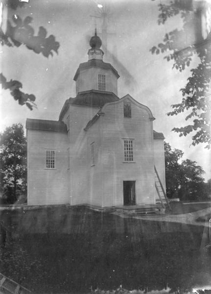 Михайлівська церква (1754 р.) у с. Березівка Прилуцького повіту. Світлина С. Таранушенка, 1920-х рр.