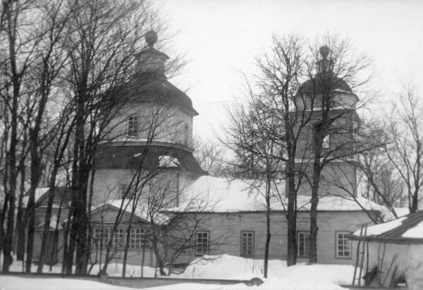 Преображенська церква (1792 р.) у с. Бієве Гадяцького повіту. Світлина С. Таранушенка, 1920-х рр.