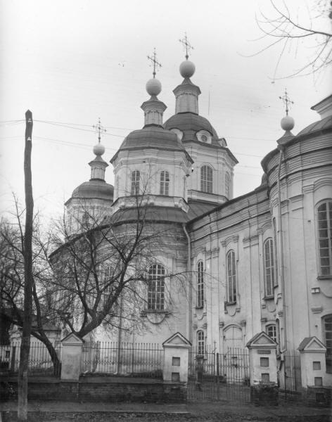 Воскресенська церква.