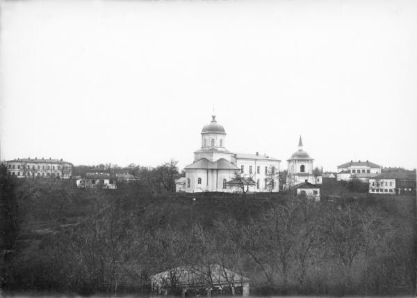 Миколаївська церква. Вид від Свято-Успенського собору.