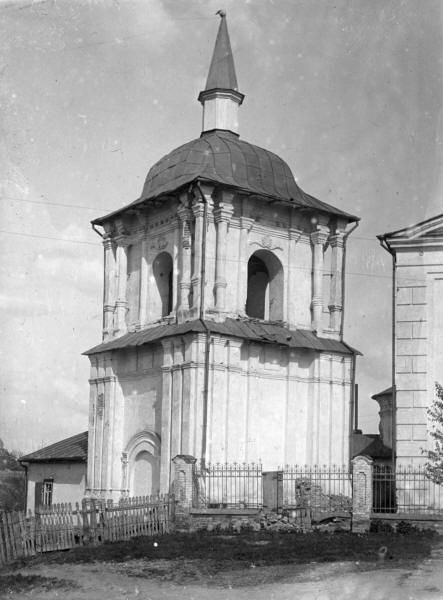 Дзвіниця Миколаївської церкви.