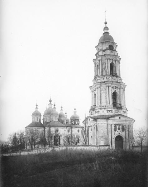 Хрестоздвиженський монастир.Воздвиженський собор і дзвіниця.
